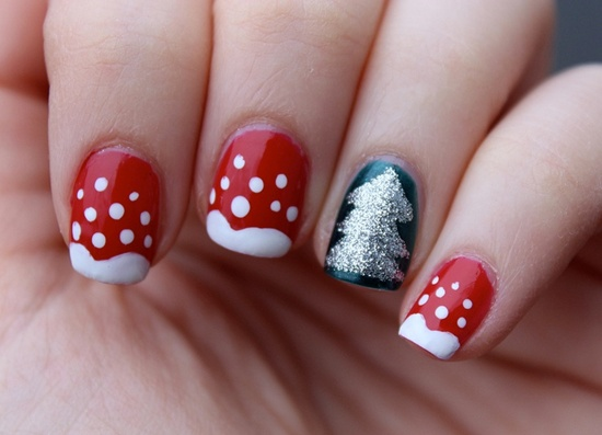 Go glamorous for New Year: New Year is considered full on party time and  your attire and hair style will reflect that. Then your nails should also  be in ... - 30 Beautiful Eamples Of Winter Nail Art