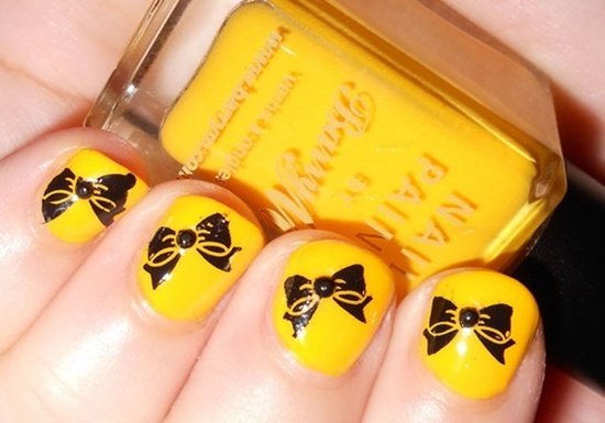 yellow nail art (19) - 40 Yellow Nail Art Ideas To Try On