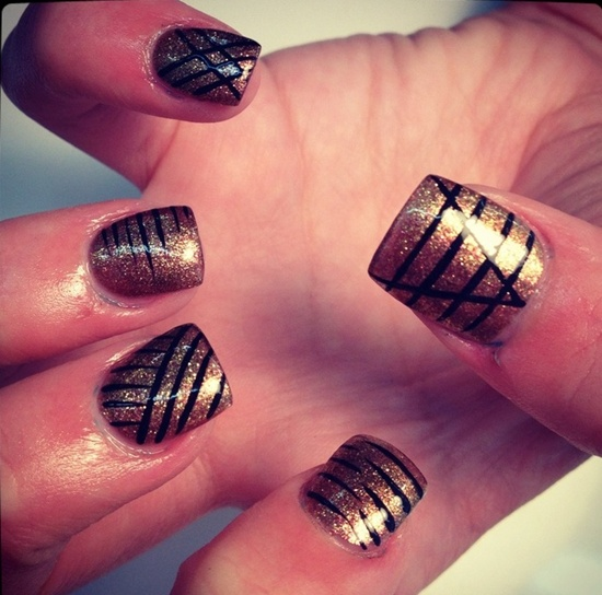 golden gliter nail art (1)