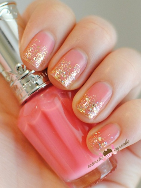 30 beautiful examples of gold glitter nail polish art golden gliter nail art 19 prinsesfo Images