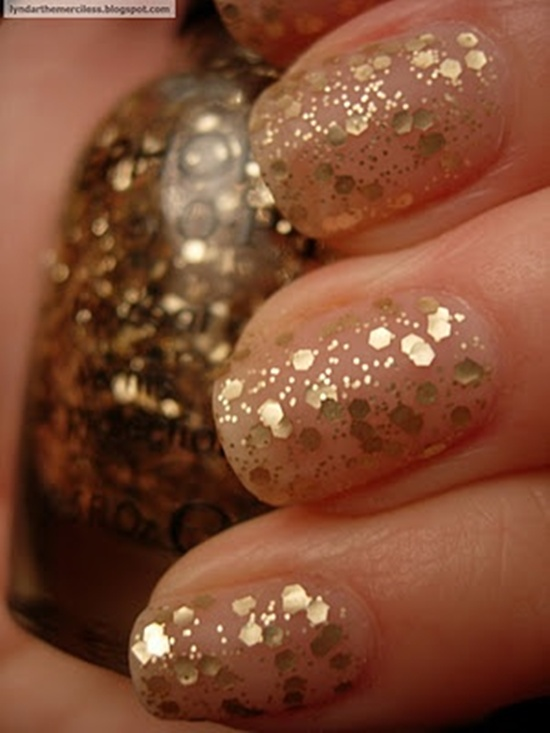 30 beautiful examples of gold glitter nail polish art golden gliter nail art 29 prinsesfo Choice Image