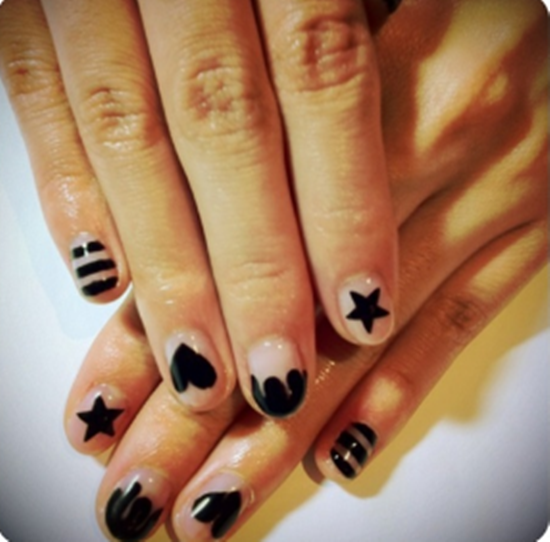 101 beautiful short nail art ideas short nail art 8 prinsesfo Choice Image
