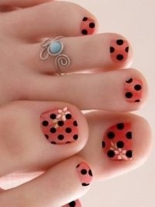 25 cute and adorable toenail art designs cute toe nail art 1 prinsesfo Image collections