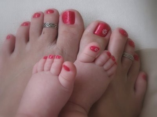 cute toe nail art (10) - 25 Cute And Adorable Toenail Art Designs