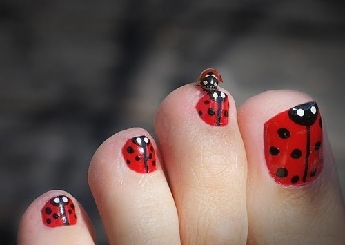 25 cute and adorable toenail art designs cute toe nail art 2 prinsesfo Choice Image
