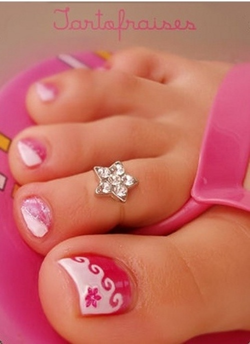 25 cute and adorable toenail art designs cute toe nail art 3 prinsesfo Gallery