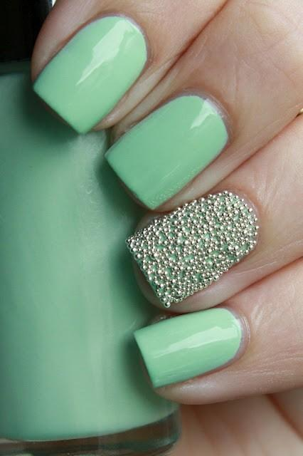 20 glitter nail designs for the everyday glamazon color family nails prinsesfo Gallery