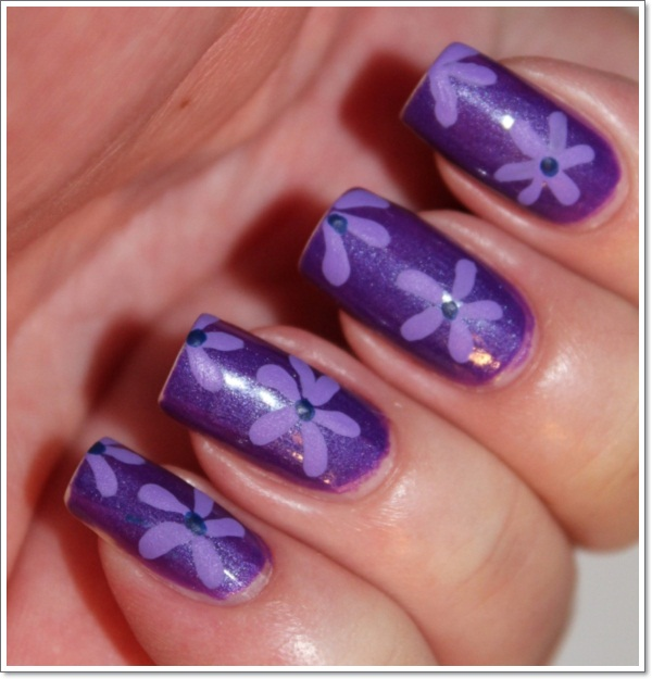 Purple-Flower-Easy-Nail-Polish-Designs