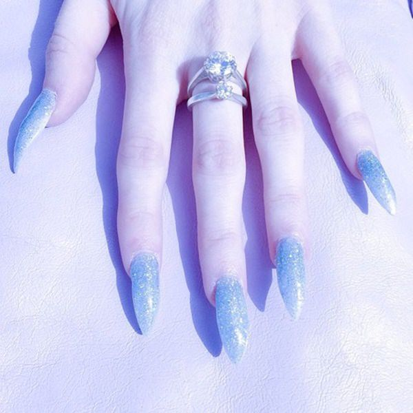 3040516-Stiletto-nails