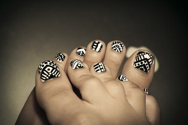 black and white nail designs 40