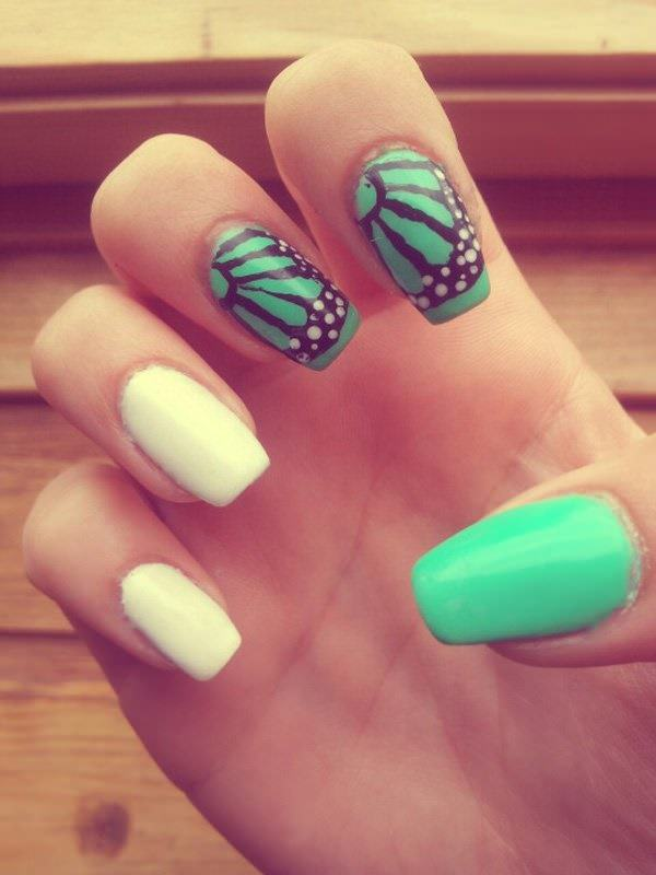 32040516-butterfly-nails