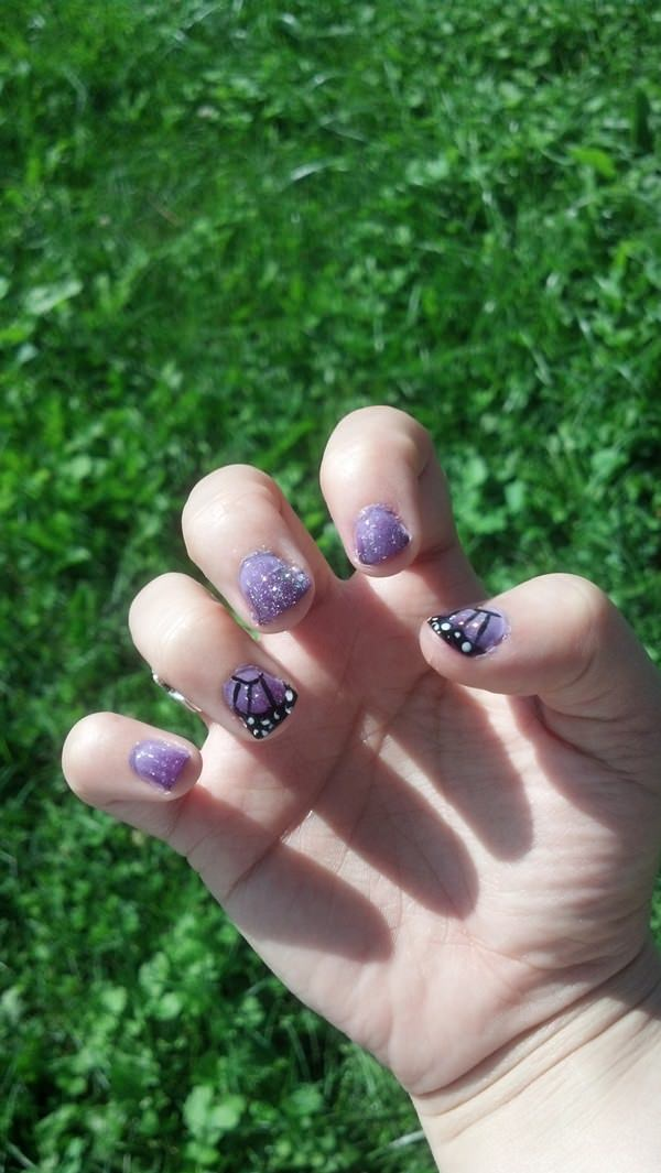 17040516-butterfly-nails