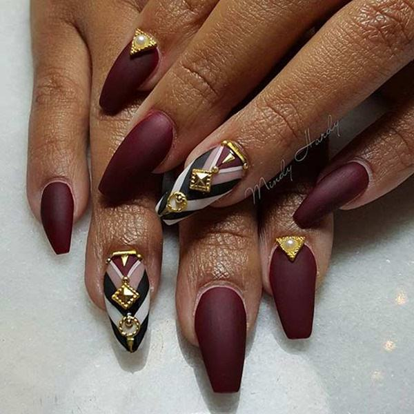 26250716-coffin-nails