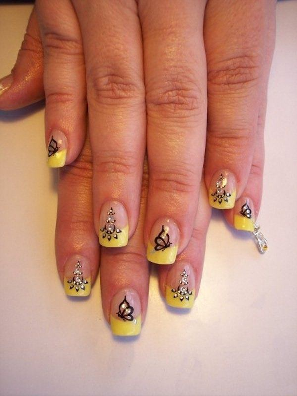 39040516-butterfly-nails