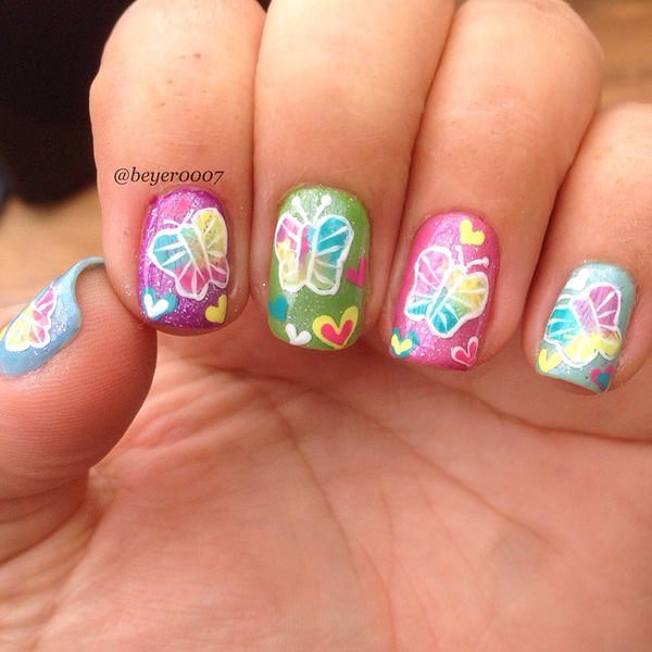 7040516-butterfly-nails
