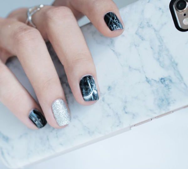 water-marble-nails-02071628