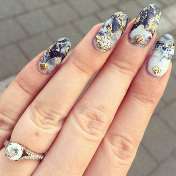 water-marble-nails-02071635