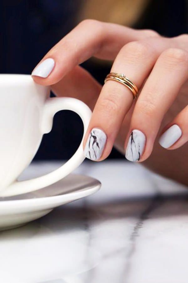 water-marble-nails-02071638