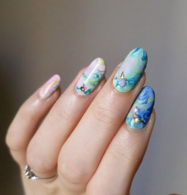 water-marble-nails-02071642