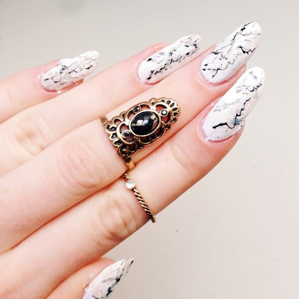 water-marble-nails-02071654