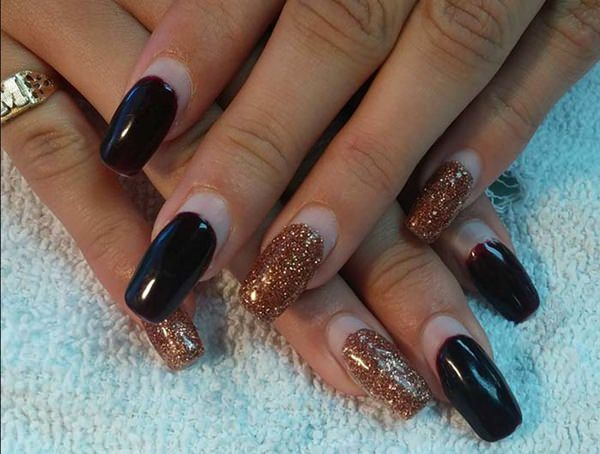 65050916-acrylic-nails-designs - 66 Amazing Acrylic Nail Designs That Are Totally In Season Right Now